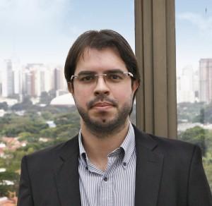 Andre Artacho NEW headshot