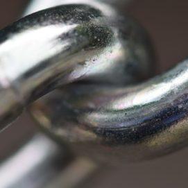 iron-chain-442885_1920-1